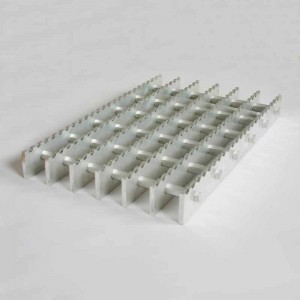 Serrated grating Picture Show