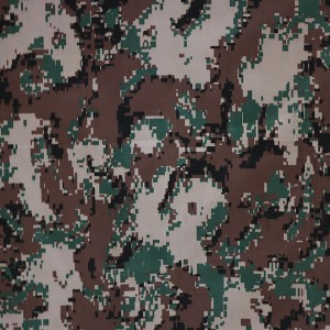 Digital woodland camouflage fabric for twill fabric
