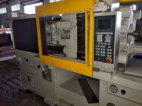 Kawaguchi 180t used Injection Molding Machine