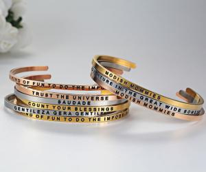 2017-2018 Fashion on the wrist cuff bracelets