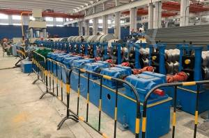 China-Crash barrier roll forming machine