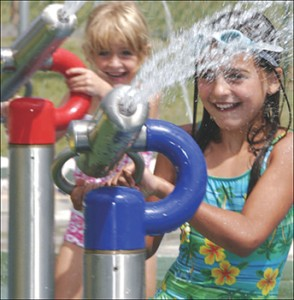 Water park entertainment kids playing stainless steel equipment water cannon for water park