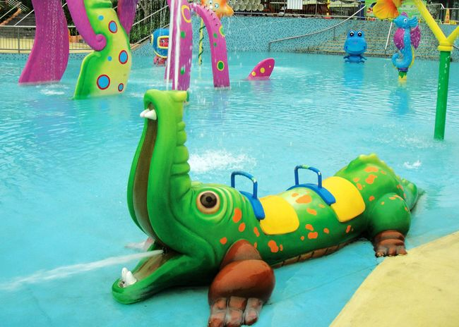 Fiberglass Crocodile Water Spray for Splash Pad Park Featured Image