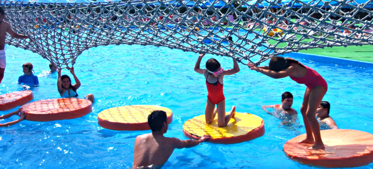 http://www.mutongplay.com/products/water-park-equipment/fiberglass-splash-pads