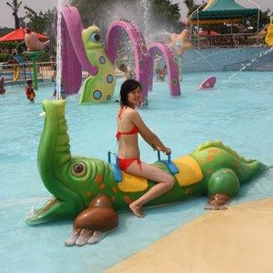 Fiberglass Crocodile Water Spray for Splash Pad Park