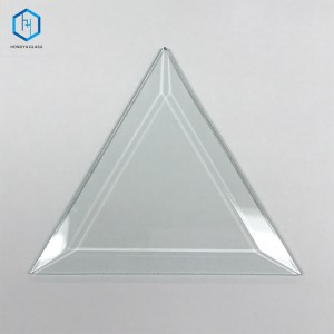 Triangle bevelled glass pieces