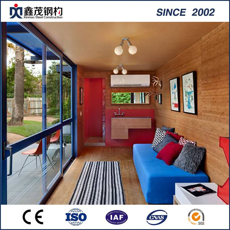 Prefabricated Flat Pack Sandwich Panel Container House with Kitchen Toilet