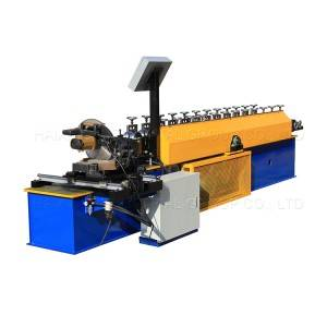 Rolling shutter machine flying saw cutting door forming