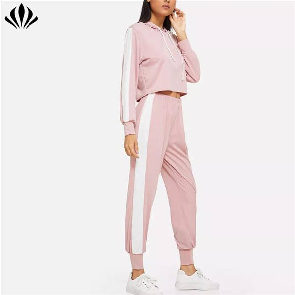 Wholesale casual sports matching set women clothing  hoodies and joggers sweat suits custom