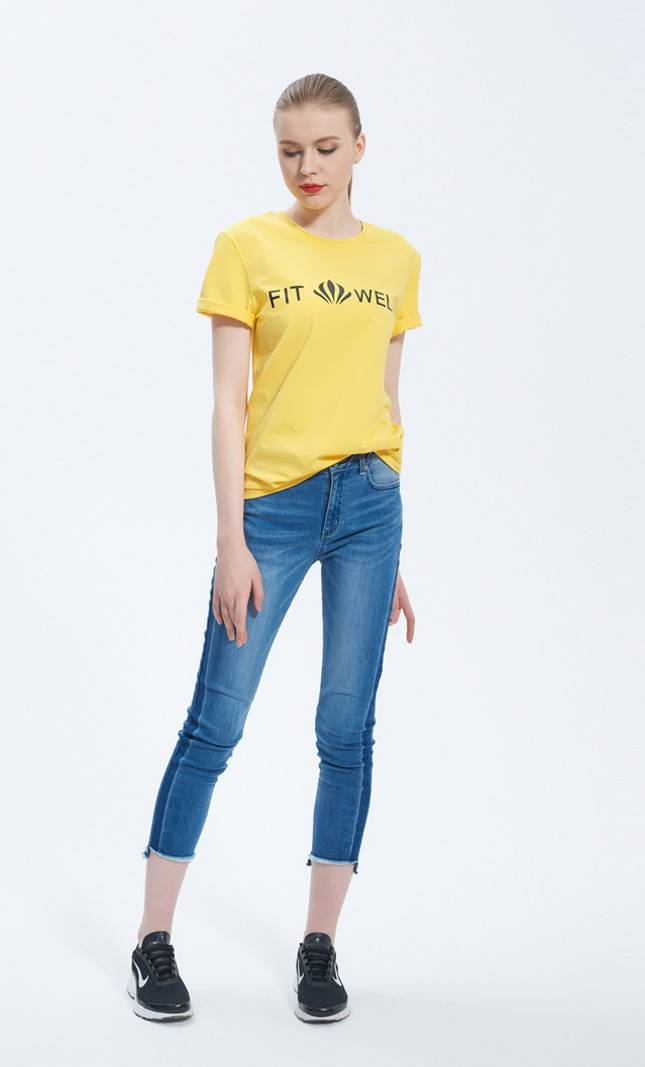 2018 wholesale custom design  high quality women short sleeve relaxed fit t-shirt with company logo