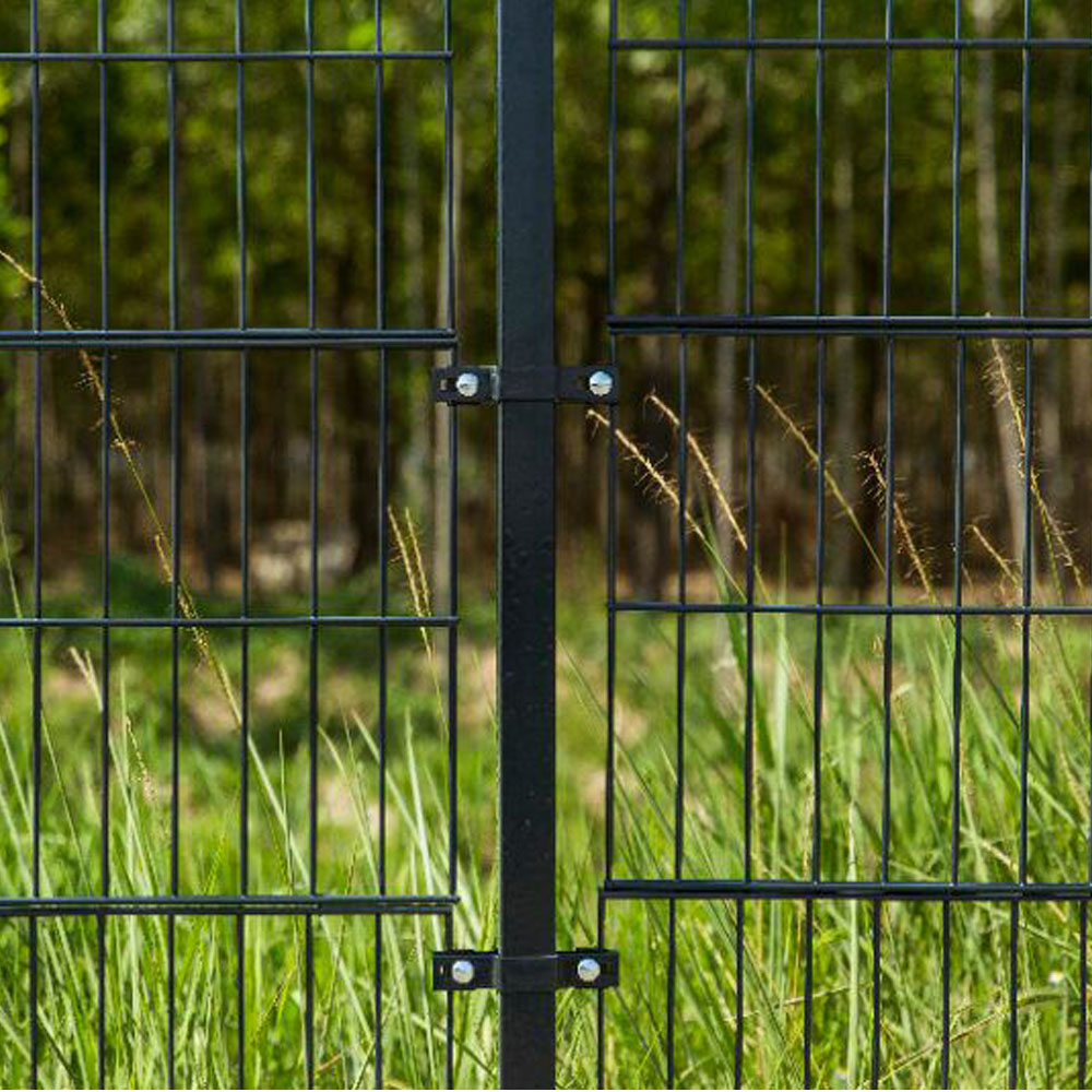 868 656 Powder Coated Double Wire Welded Mesh Fence Panels