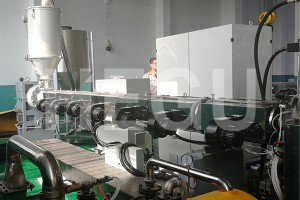 PP hollow sheet making machine (7)