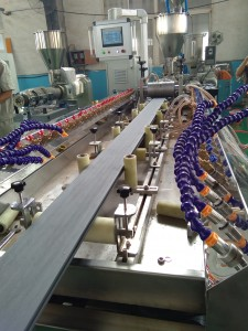 co-extrusion online embrossing wpc profile production (9)