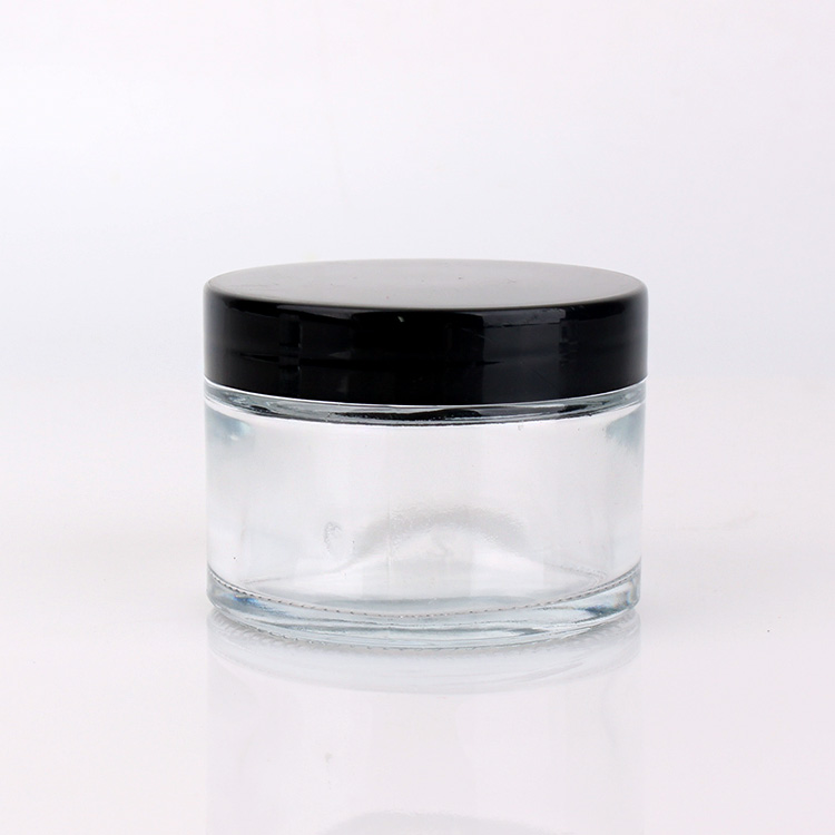 Why are glass jars popular in cosmetic packaging?