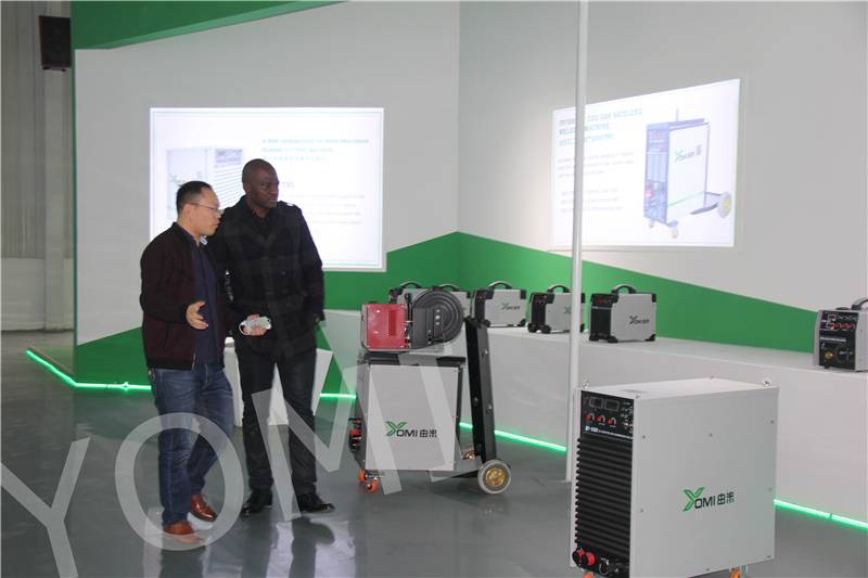 South Africa Customers Visit Yomi Factory