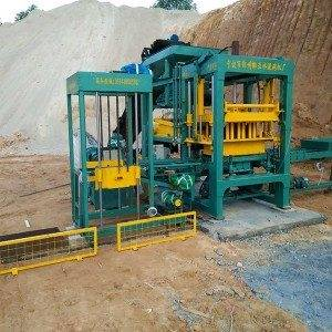 Reasonable price for Fully automatic hollow brick machine NYQT4-10 to Liberia Factories