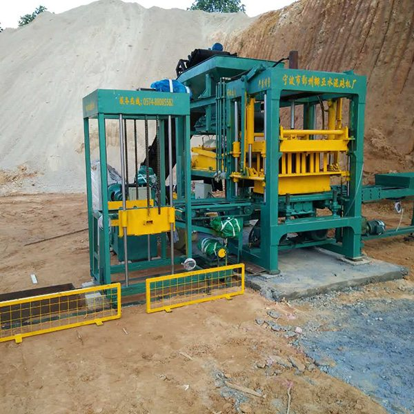Fully automatic hollow brick machine NYQT4-10 Featured Image