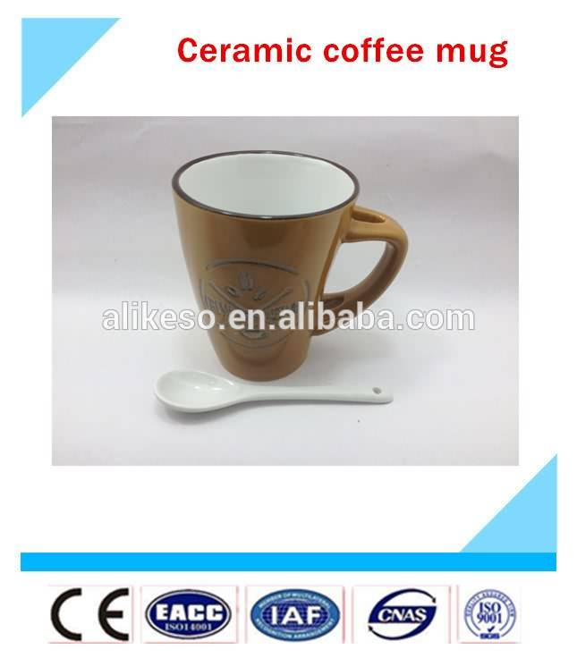 Simple stylish looking with beautiful decoration cheap ceramic coffee mugs with handle and spoon