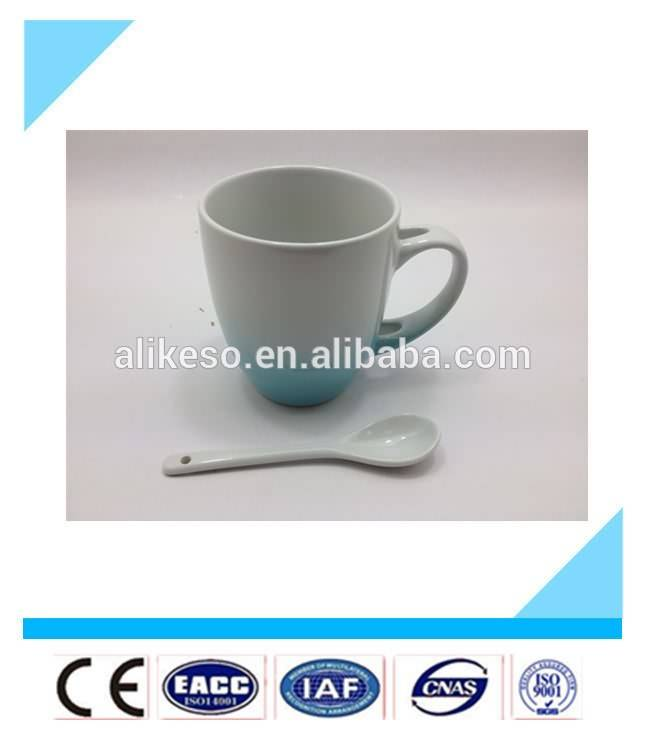China 10oz high quality stoneware bulk ceramic mug with spoon and handle as festival gift