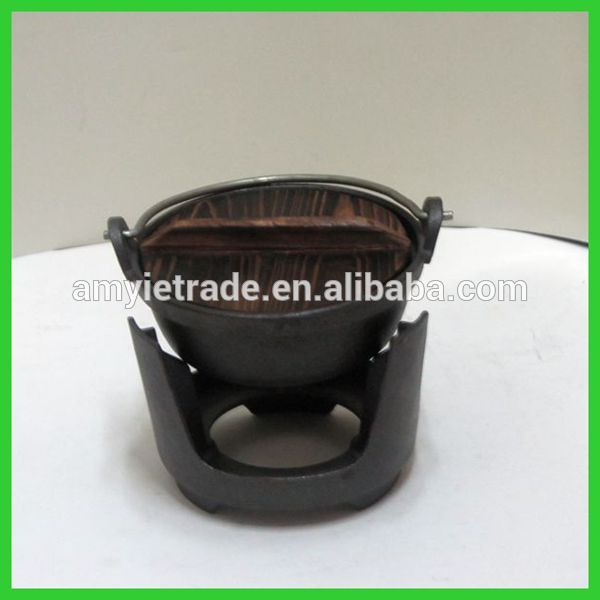 SW-J155 Japanese cast iron cookware with wooden cover and stand