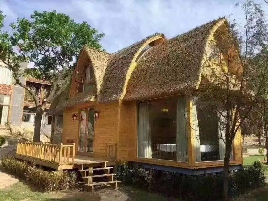 How Bespoke Thatched Roof Bring Convenience For People