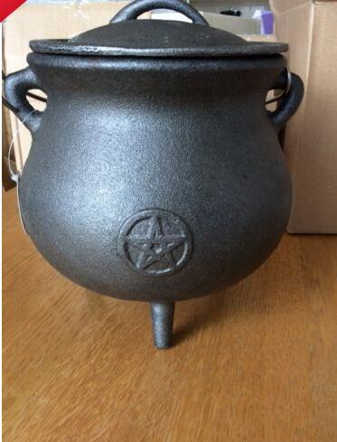 EXTRA LARGE CAST IRON CAULDRON with pentagram. Pagan Wiccan Altar Spells