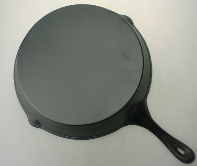 FDA certification 12 inch preseasoned cast iron round skillet frying pan