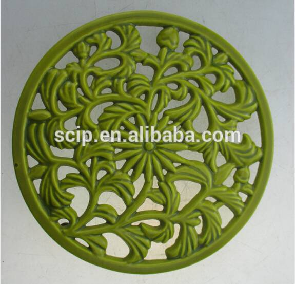 high quality Cast Iron metal trivet For Kitchen Or Dining Table