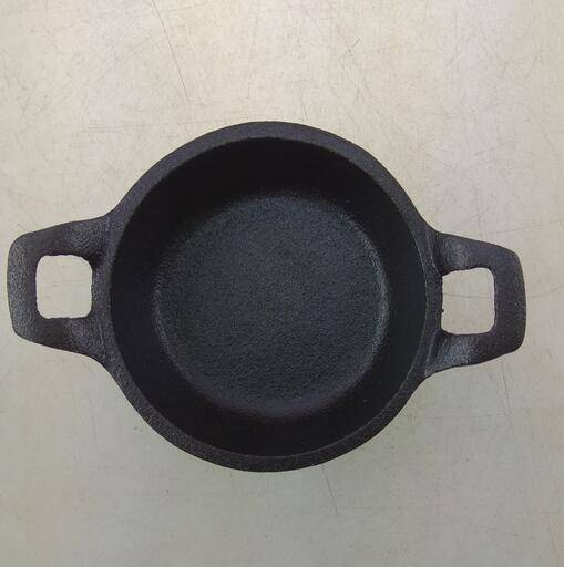 cast iron small mini camping pot in Pre-seasoned and enamel coating