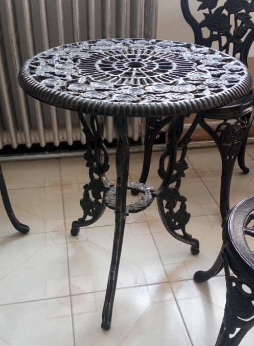 cast iron garden table Featured Image