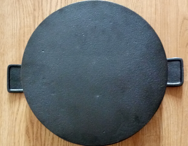 cast iron flat round grill pan Featured Image