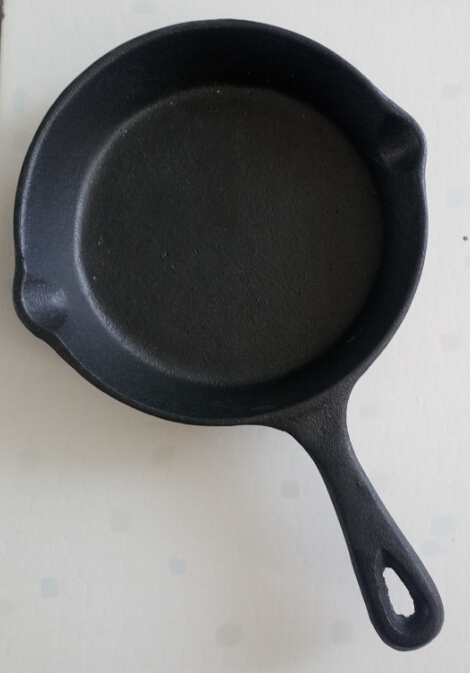 6 inch cast iron mini pan Featured Image