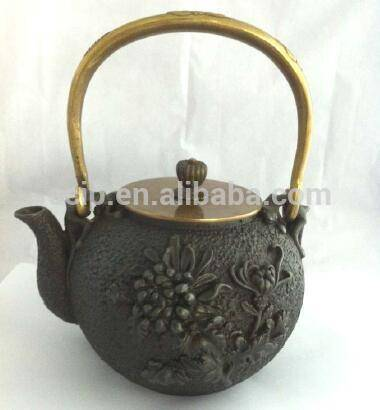 pre-seasoned Custom cast iron Traditional teapot with Tea Strainer