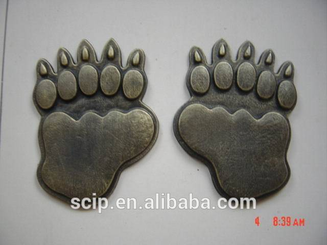 cast iron stepping stone bearfoot design animal design
