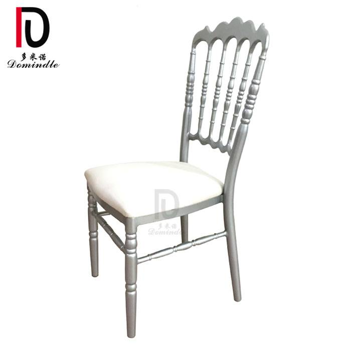 Chiavari chair for Wedding Featured Image