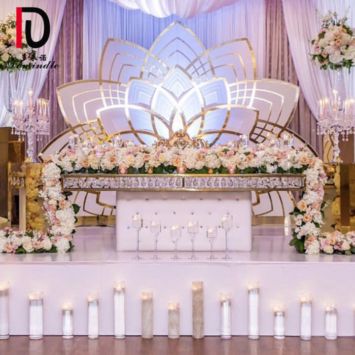 8 Year Exporter Gold Modern Dining Table - Mirror glass crystal table for wedding – Dominate