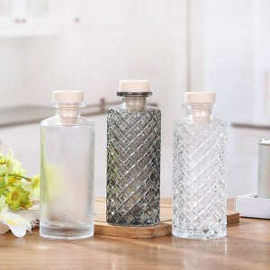 Factory Embossed Round Diffuser Essential Oil Glass Bottle with Cork Cap / Ball Cap
