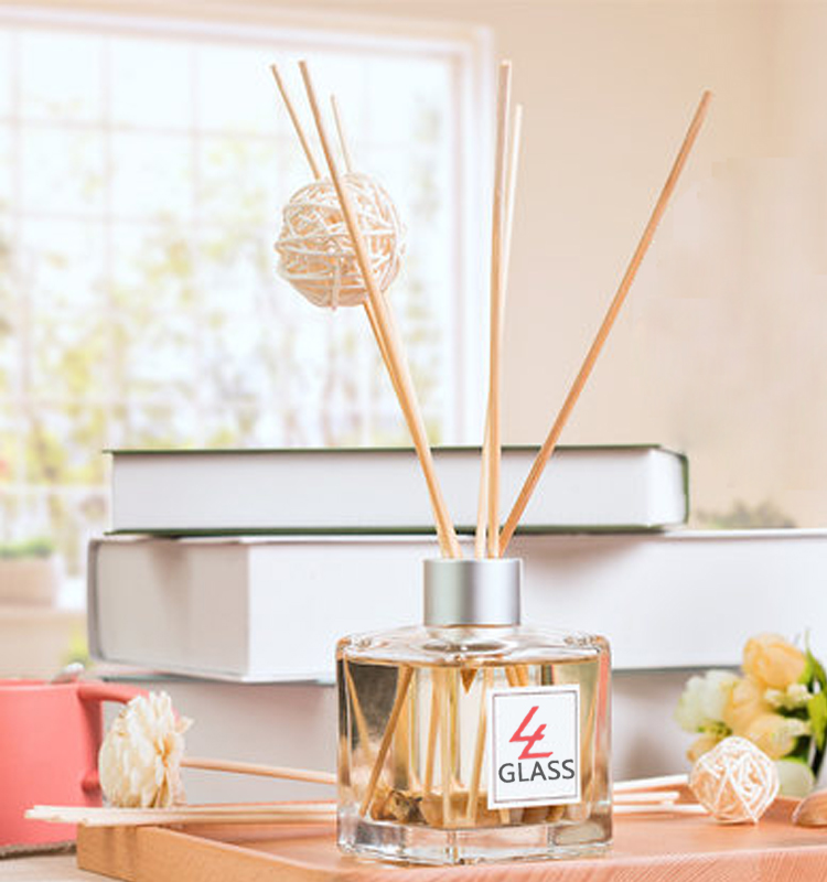 shanghai linlang high quality cube shape glass reed aroma diffuser bottles with lid wholesale