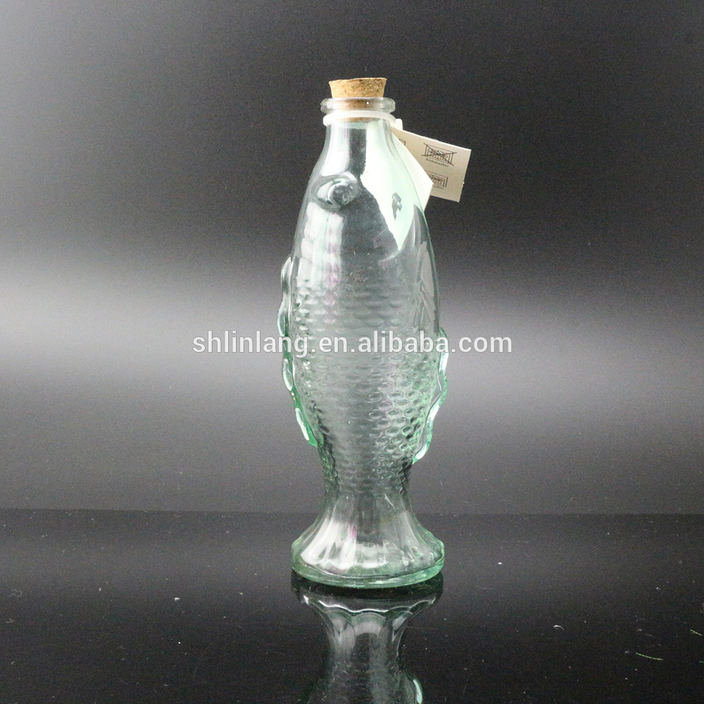Fancy Green Color Fish Shaped glass Vase Shaped For Decoration