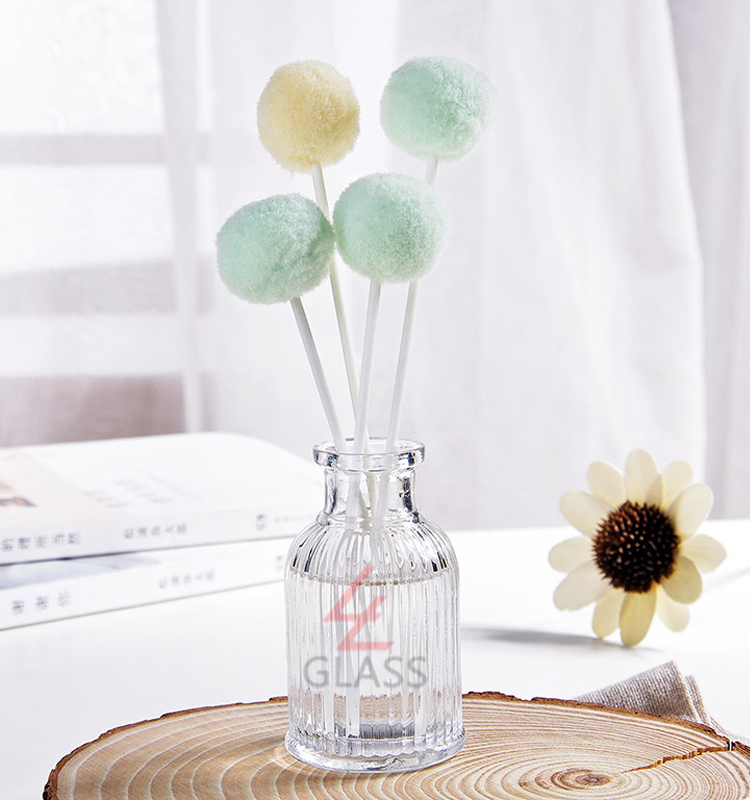 Decorative glass perfume reed aroma diffuser bottle