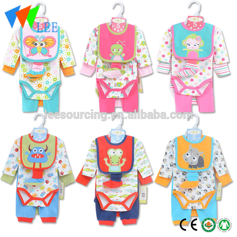 Wholesale high quality cartoon custom printing 100% cotton 4pcs baby romper layette