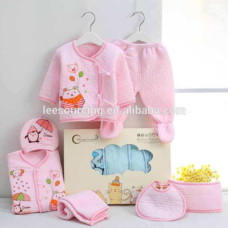 Sweet style keep warm cute printing cotton cheap newborn baby clothing set