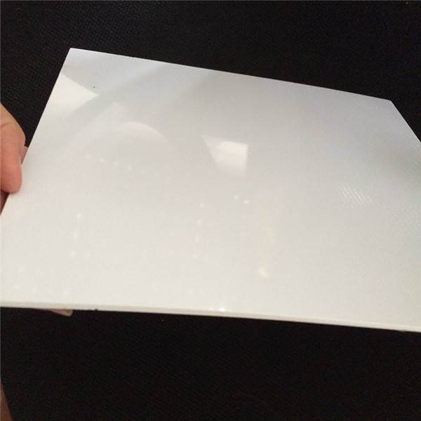 Vakuumforming 4 × 8 White hard plast PVC-skjema for 3D Wall Panel Featured Image
