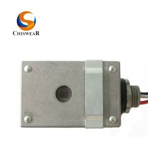 Outdoor Stem Mounted Photocontrol JL-116B 240VAC