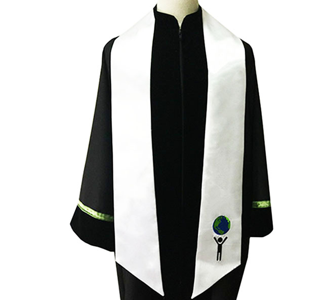 Custom embroidered graduation stole Featured Image