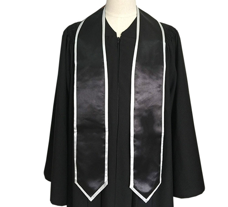 Graduation Trimming stole Featured Image