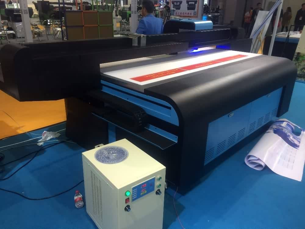 14 Years manufacturer Large Flatbed UV printing machine with Gen5 heads to Mexico Manufacturer