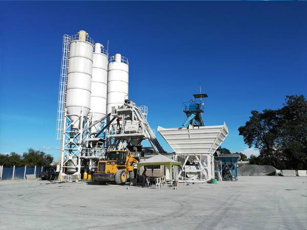 MBP10 mobile concrete batching plant in Japan