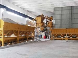 Planetary mixer used to produce concrete bricks in Russia