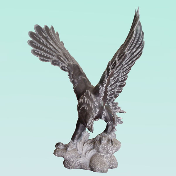 CC254 Limestone Eagle Sculpture Featured Image